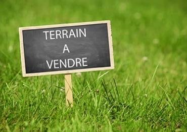 Terrain à vendre .(1200 m²)(FEURS) avec (MAISON COBATI)
