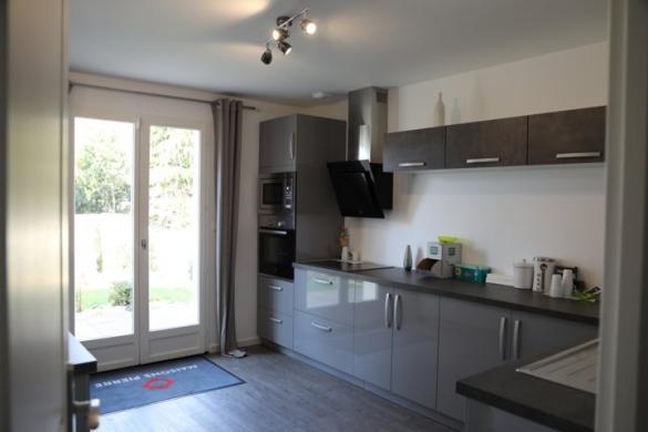 Maison à vendre .(110 m²)(ESTREES SAINT DENIS) avec (MAISON PIERRE)