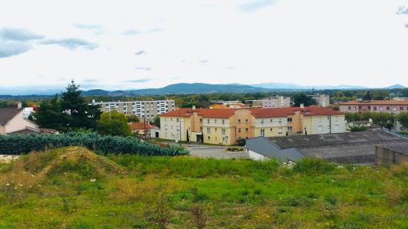 Terrain à vendre .(615 m²)(LA VOULTE SUR RHONE) avec (IMMOVIA)