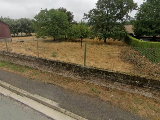 Terrain à vendre .(700 m²)(MONTIERS) avec (MAISON I - AGENCE COMPIEGNE)