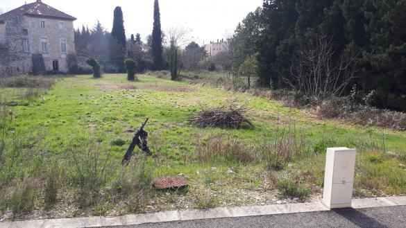 Terrain à vendre .(1381 m²)(BOURG SAINT ANDEOL) avec (IMMOVIA CONSTRUCTEUR)