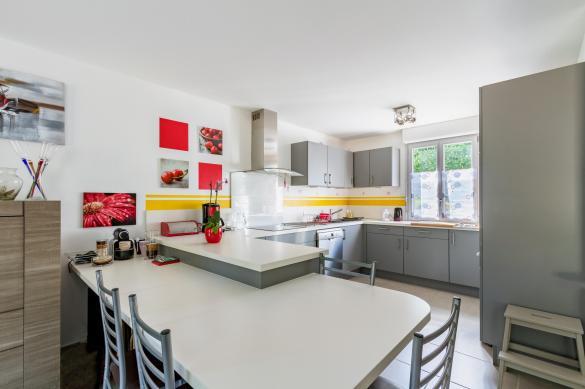 Maison+Terrain à vendre .(110 m²)(COURRIERES) avec (Maison Familiale - Lille)