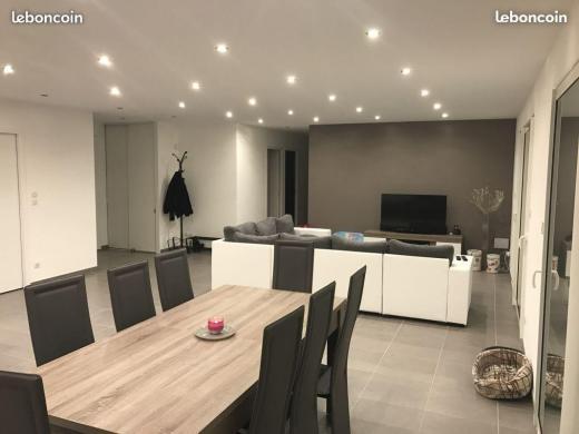 Maison à vendre .(95 m²)(MONTREAL) avec (MAISONS COTE SOLEIL 11)