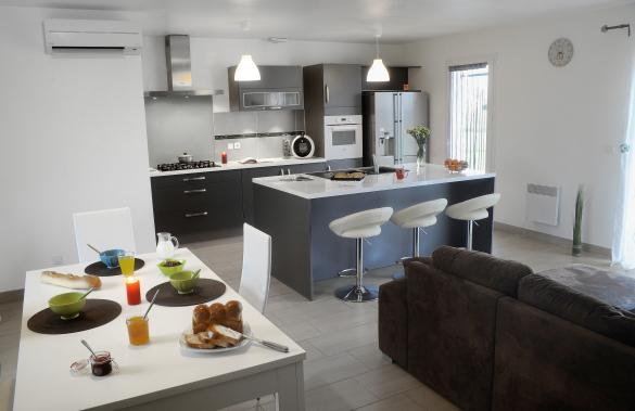 Maison+Terrain à vendre .(107 m²)(BEAUGEAY) avec (MAISON FAMILIALE)