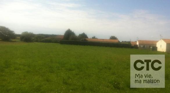 Terrain à vendre .(400 m²)(CIRE D'AUNIS) avec (Charentes Techniques Constructions)