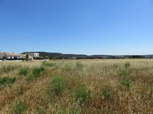 Terrain à vendre .(300 m²)(CALVISSON) avec (SAS FONCIERE BAMA)