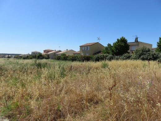 Terrain à vendre .(319 m²)(CALVISSON) avec (SAS FONCIERE BAMA)