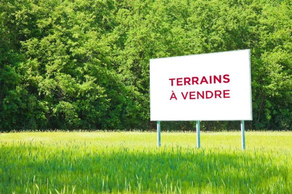 Terrain à vendre .(MOZAC) avec (EUROPEAN HOMES FRANCE)