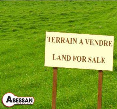 Terrain à vendre .(BERNADETS DEBAT) avec (ABESSAN)