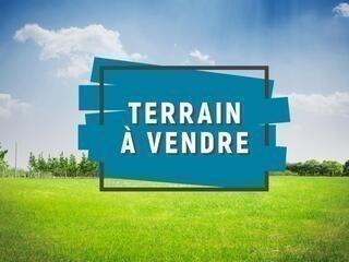 Terrain à vendre .(BRESSUIRE) avec (LAFORET NORD DEUX-SEVRES Agence de la Chapelle Saint Laurent)