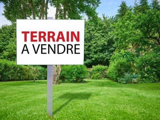 Terrain à vendre .(ESQUAY SUR SEULLES) avec (Mes David GOUHIER Jean-Michel BOISSET et Rodolphe PÉAN)