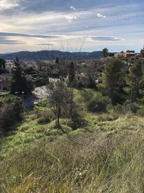 Terrain à vendre .(790 m²)(DRAGUIGNAN) avec (VILLAS PRISME)