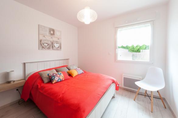Maison+Terrain à vendre .(97 m²)(ETAULIERS) avec (LES MAISONS CHANTAL B)