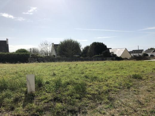 Terrain à vendre .(483 m²)(PLOZEVET) avec (MAISONS I)