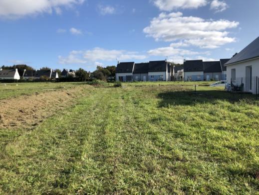 Terrain à vendre .(478 m²)(PLONEOUR LANVERN) avec (MAISONS I)