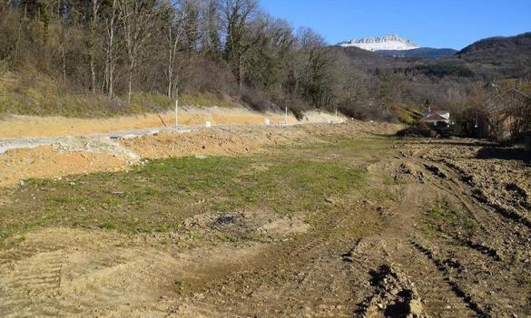 Terrain à vendre .(500 m²)(LA BUISSE) avec (KP CONSTRUCTION)